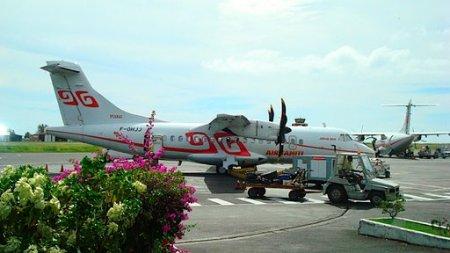 Bora Bora Plane